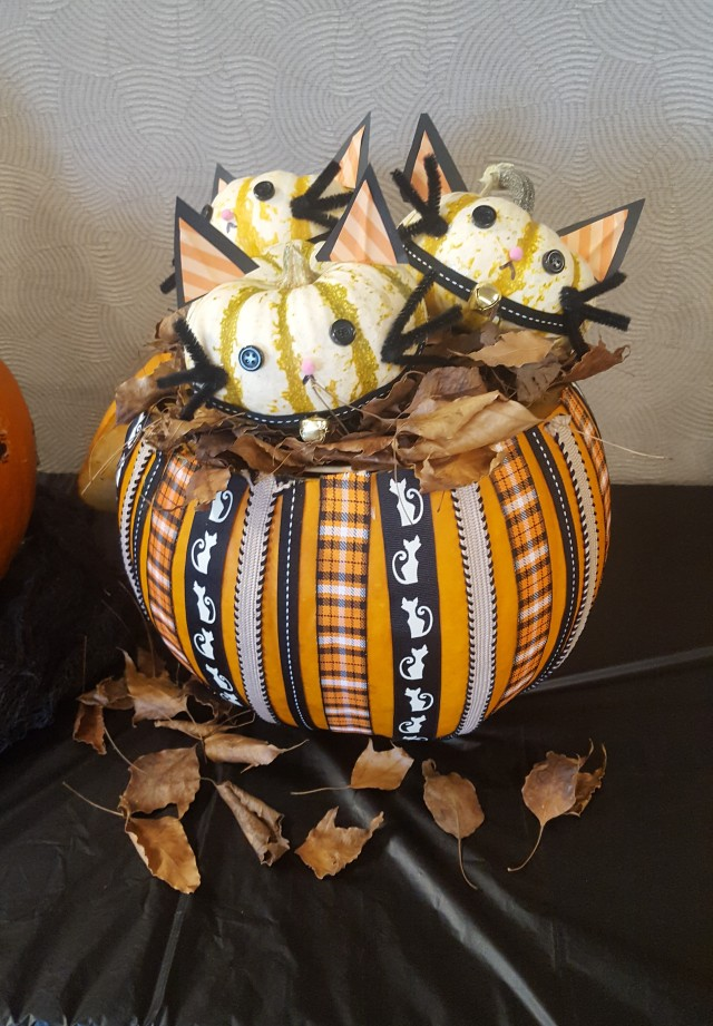 Basket of Kittens Pumpkin 2018
